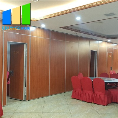 Sound absorbing partition walls