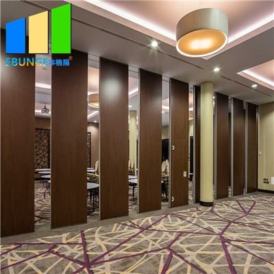 Retractable partition wall